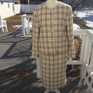 Suburban classic Suit